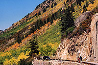 /images/133/2004-09-indep-road2.jpg - #02115: road heading to Aspen from Independence Pass … Sept 2004 -- Independence Pass, Colorado