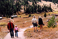 /images/133/2004-09-indep-town-people.jpg - #02123: images of Ghost Town of  Independence, by Independence Pass … Sept 2004 -- Independence Pass, Colorado