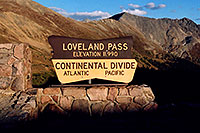 /images/133/2004-09-loveland-sign-eve-shade.jpg - #02162: Loveland Pass … Sept 2004 -- Loveland Pass, Colorado