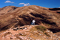 /images/133/2004-09-loveland-view2.jpg - 02151: West Slope: view of trail leading up East Slope … Sept 2004 -- Loveland Pass, Colorado