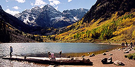 /images/133/2004-09-maroon-bells-people-w.jpg - #02159: Maroon Lake (elev 9,580ft) in front of Maroon Bells (elev 14,156ft) … Sept 2004 -- Maroon Peak, Maroon Bells, Colorado