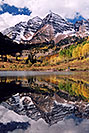/images/133/2004-09-maroon-bells-vert1-v.jpg - #02160: Maroon Bells reflecting in Maroon Lake … Sept 2004 -- Maroon Peak, Maroon Bells, Colorado
