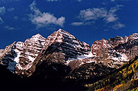 /images/133/2004-09-maroon-close1.jpg - #02163: snowy Maroon Peaks at mid-morning … Sept 2004 -- Maroon Peak, Maroon Bells, Colorado