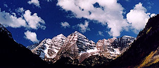 /images/133/2004-09-maroon-close2.jpg - #02164: snowy Maroon Peaks at mid-morning … Sept 2004 -- Maroon Peak, Maroon Bells, Colorado
