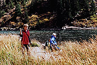 /images/133/2004-09-maroon-people02.jpg - #02183: images of Maroon Lake … Sept 2004 -- Maroon Bells, Colorado