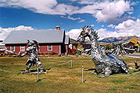 /images/133/2004-10-crested-dragon4.jpg - #02285: Crested Butte dragon … Oct 2004 -- Crested Butte, Colorado