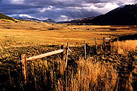 /images/133/2004-10-crested-evening10.jpg - #02272: evening in Crested Butte, looking south … Oct 2004 -- Crested Butte, Colorado