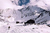 /images/133/2004-11-fremont-lake-hut2.jpg - #02380: winter near Fremont Pass … Sept 2004 -- Fremont Pass, Colorado