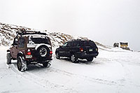 /images/133/2004-11-loveland-sign02.jpg - #02406: images of Loveland Pass … Nov 2004 -- Loveland Pass, Colorado