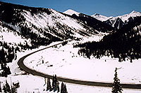 /images/133/2005-03-silverton-curve-roa.jpg - #02554: road near Silverton … March 2005 -- Silverton, Colorado