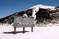 /images/133/2005-03-silverton-sign.jpg - #02547: town of Silverton … March 2005 -- Silverton, Colorado