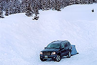 /images/133/2005-03-wolfcreek-jeep2.jpg - #02571: morning at Wolf Creek Pass … March 2005 -- Wolf Creek Pass, Colorado