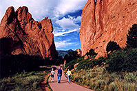 /images/133/2005-09-gardgods1.jpg - #02596: morning at Garden of the Gods … Sept 2005 -- Garden of the Gods, Colorado Springs, Colorado