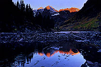/images/133/2005-09-maroon-refl-early.jpg - #02629: images of Maroon Bells … Sept 2005 -- Maroon Bells, Colorado