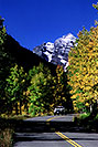 /images/133/2005-09-maroon-road1-v.jpg - #02633: images of Maroon Bells … Sept 2005 -- Maroon Bells, Colorado