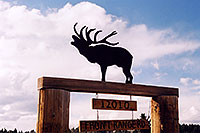 /images/133/2006-01-woodland-elk-sign.jpg - #02672: Elk Sign along Rampart Range Road … Jan 2006 -- Rampart Range Rd, Woodland Park, Colorado