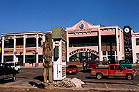 /images/133/2006-02-divide6.jpg - #02683: Colorado Co Joe, cars and stores in Divide … images of Divide … Feb 2006 -- Divide, Colorado
