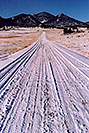 /images/133/2006-02-hartsel-snow-vert3-v.jpg - #02736: snowy side-road heading north … between Wilkerson Pass & Hartsel … Feb 2006 -- Wilkerson Pass, Colorado