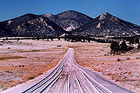 /images/133/2006-02-hartsel-snow4.jpg - #02727: snowy side-road heading north … between Wilkerson Pass & Hartsel … Feb 2006 -- Wilkerson Pass, Colorado