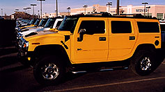 /images/133/2006-02-hummers-medved-03.jpg - #02748: yellow and white H2 Hummers in Castle Rock … Feb 2006 -- Castle Rock, Colorado