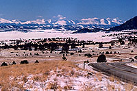 /images/133/2006-02-wilkerson-view5.jpg - #02783: car from Hartsel approaching Wilkerson Pass … Feb 2006 -- Hartsel, Colorado