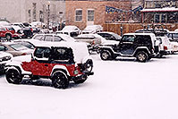 /images/133/2006-03-idaho-springs-jeeps.jpg - #02826: red and black Jeep Wranglers … images of Idaho Springs … March 2006 -- Idaho Springs, Colorado