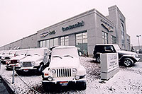 /images/133/2006-03-lithia-snow1.jpg - #02838: snowy Jeep Wranglers at Lithia Jeep … March 2006 -- Lithia Jeep, Centennial, Colorado