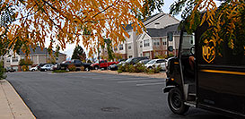 /images/133/2006-10-06-lone-rem-ups.jpg - #02941: UPS on delivery at Remington residence … Oct 2006 -- Remington, Lone Tree, Colorado