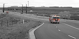 /images/133/2006-10-08-cent-firetrucks-w.jpg - #02952: Firetrucks on emergency approach in Centennial … Oct 2006 -- Centennial, Colorado