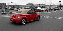 /images/133/2006-10-08-cent-mini03-w.jpg - #02962: red VW Beetle Bug and red Cooper Mini in Centennial … Oct 2006 -- Centennial, Colorado