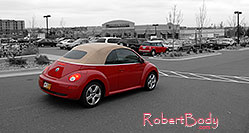 /images/133/2006-10-08-cent-mini03.jpg - #02979: red VW Beetle Bug and red Cooper Mini in Centennial … Oct 2006 -- Centennial, Colorado