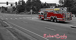 /images/133/2006-10-08-lone-firetruck-y.jpg - #02991: Lone Tree Firetruck at Yosemite and Lone Tree Parkway - South Metro Fire Rescue #34 … Oct 2006 -- Yosemite Rd, Lone Tree, Colorado