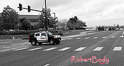 /images/133/2006-10-08-lone-hummer-bw.jpg - #02992: Police Hummer on Yosemite Road … Oct 2006 -- Yosemite Rd, Lone Tree, Colorado