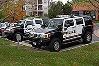 /images/133/2006-10-08-lone-police-humm.jpg - #02976: Police Hummers in Lone Tree … Oct 2006 -- Yosemite Rd, Lone Tree, Colorado