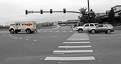 /images/133/2006-10-08-lone-traffic02.jpg - #02984: Loomis Fargo transport truck at Yosemite Road and Park Meadows Drive in Lone Tree … Oct 2006 -- Yosemite Rd, Lone Tree, Colorado
