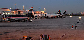 /images/133/2006-10-13-charlotte01.jpg - #03018: US Airways airlines at Charlotte airport … Oct 2006 -- Charlotte, North Carolina