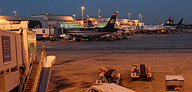 /images/133/2006-10-13-charlotte02-pano.jpg - #03020: US Airways airlines at Charlotte airport … Oct 2006 -- Charlotte, North Carolina