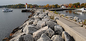 /images/133/2006-10-21-oak-bronte01-w.jpg - #03070: images of Oakville … Oct 2006 -- Bronte Harbour, Oakville, Ontario.Canada