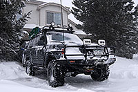 /images/133/2006-12-20-high-trigger04.jpg - #03209: Trigger at home during a December snowstorm … Dec 2006 -- Highlands Ranch, Colorado