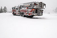 /images/133/2006-12-20-lone-linc-fire02.jpg - #03213: Firetruck on Lincoln Rd - when Excel natural gas pipe broke  - South Metro Fire Rescue … Dec 2006 -- Lincoln Rd, Lone Tree, Colorado
