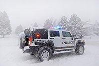 /images/133/2006-12-20-lone-linc-golf.jpg - #03214: Police directing traffic on Lone Tree Pkwy … Dec 2006 -- Lone Tree Parkway, Lone Tree, Colorado