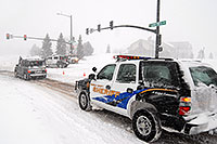 /images/133/2006-12-20-lone-lincoln01.jpg - #03215: Police directing traffic on Lincoln Rd - Douglas County Sheriff … Dec 2006 -- Lincoln Rd, Lone Tree, Colorado