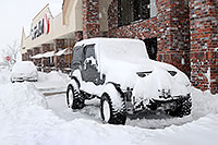 /images/133/2006-12-21-lone-safew-jeep.jpg - #03251: Jeep Wrangler by Safeway during December snowstorm … Dec 2006 -- Lone Tree, Colorado