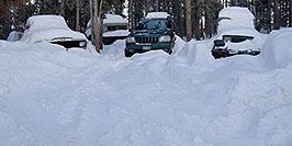 /images/133/2007-01-07-miners-jeeps01.jpg - #03303: 3 snowy jeeps - Jeep truck, Grand Cherokee and Wrangler … Jan 2007 -- Miner`s Candle, Idaho Springs, Colorado