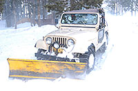 /images/133/2007-01-07-miners-jeeps03.jpg - #03305: Jeep Wrangler with a snowplow … Jan 2007 -- Miner`s Candle, Idaho Springs, Colorado