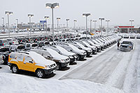 /images/133/2007-01-12-go-xterras04.jpg - #03337: yellow Nissan Xterra and others at GO Nissan on Arapahoe Rd … Jan 2007 -- Go Nissan, Englewood, Colorado