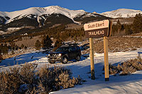/images/133/2007-01-28-elbert-xterra1.jpg - #03427: Xterra at trailhead of Mt Elbert from south side … Jan 2007 -- Mt Elbert, Twin Lakes, Colorado