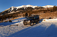 /images/133/2007-01-28-elbert-xterra2.jpg - #03429: Xterra at trailhead of Mt Elbert from south side … Jan 2007 -- Mt Elbert, Twin Lakes, Colorado