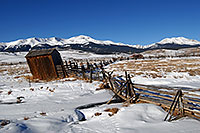 /images/133/2007-01-28-lead-shacks1.jpg - #03432: shacks south of Leadville, in neighborhood of Mt Elbert … Jan 2007 -- Leadville, Colorado