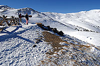 /images/133/2007-01-28-love-skiers2.jpg - #03443: images of Loveland Pass … Jan 2007 -- Loveland Pass, Colorado